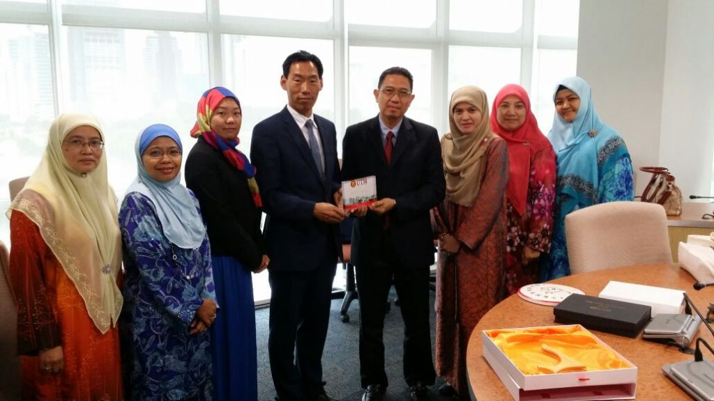 NINGXIA INTERNATIONAL LANGUAGE COLLEGE VISIT TO UTM KL