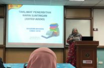 PROGRAM WRITING & PUBLISHING EDITED BOOK ANJURAN AKADEMI BAHASA UTM JOHOR BAHRU